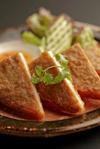 カノムパン・ナー・ムー(豚ミンチの揚げパン)