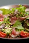 ヤム・ヌア(タイ東北地方イサーン風 牛肉のサラダ)